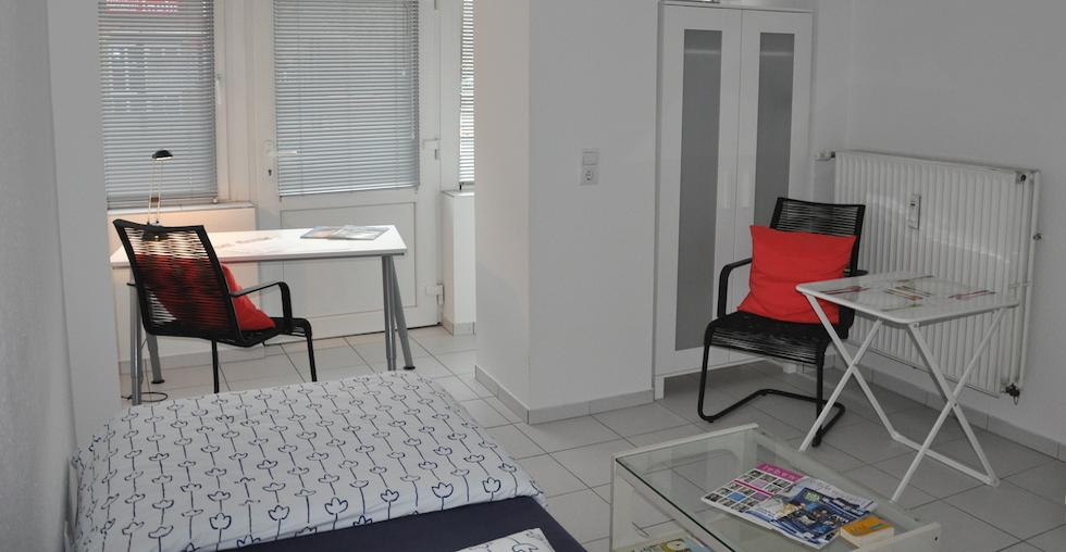 1 zimmer apartment zur miete in kiel. Black Bedroom Furniture Sets. Home Design Ideas